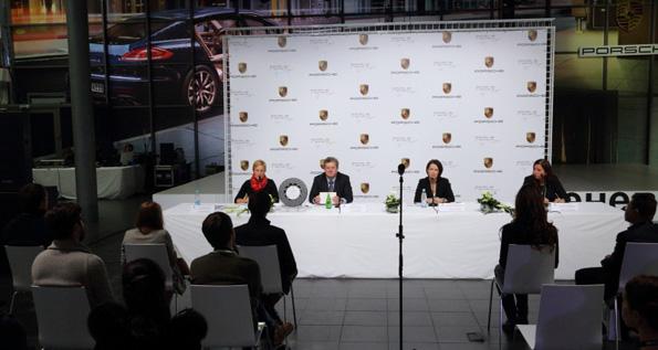 Группа Компаний «РОЛЬФ» открыла новый дилерский центр Porsche в Москве 7d86f019ce3